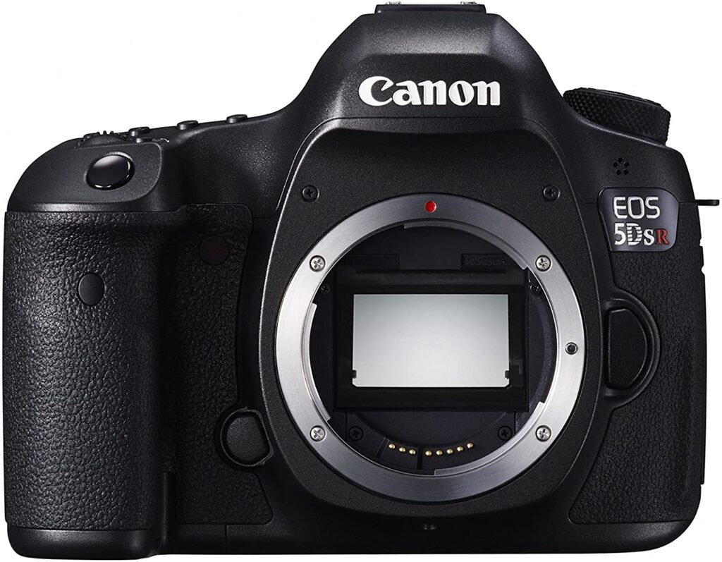 Canon EOS 5DS is one of the best cameras for interior photography