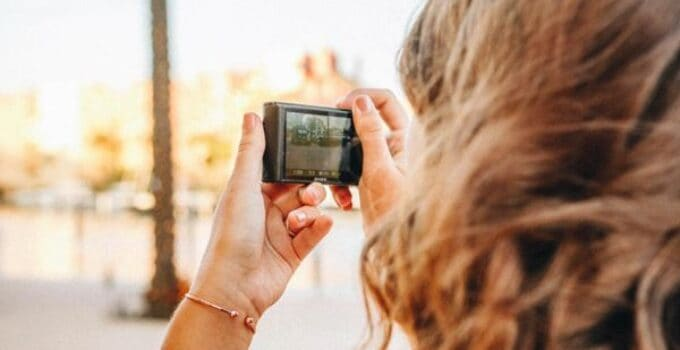 5 Best Point and Shoot Cameras with Video in 2021