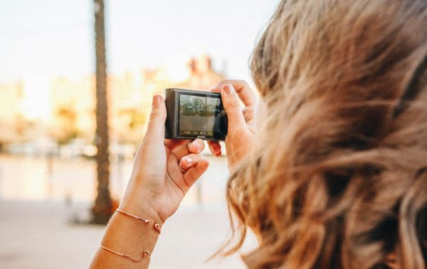 best point and shoot camera with video