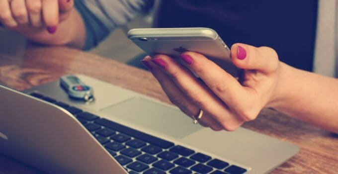 5 Best Phones for Online Classes in 2021 – A Complete Guide