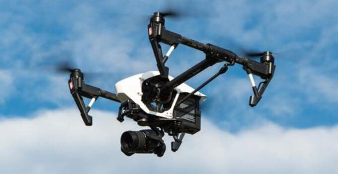 5 Best Phones for Drone Flying in 2021 – All you need to know
